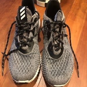 Adidas Alpha bounce in awesome condition